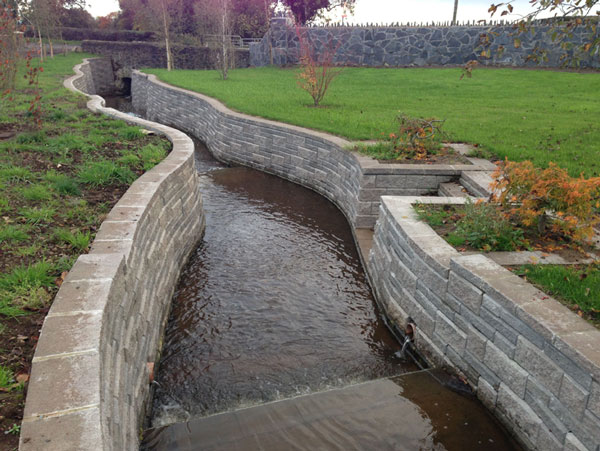 Water Retaining Products : Technical newsletter issue retaining wall water